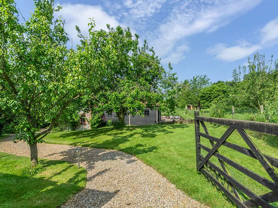 Apple-Tree-Barn-Holiday-Cottage-Blakeney-Fabulous-Norfolk-14