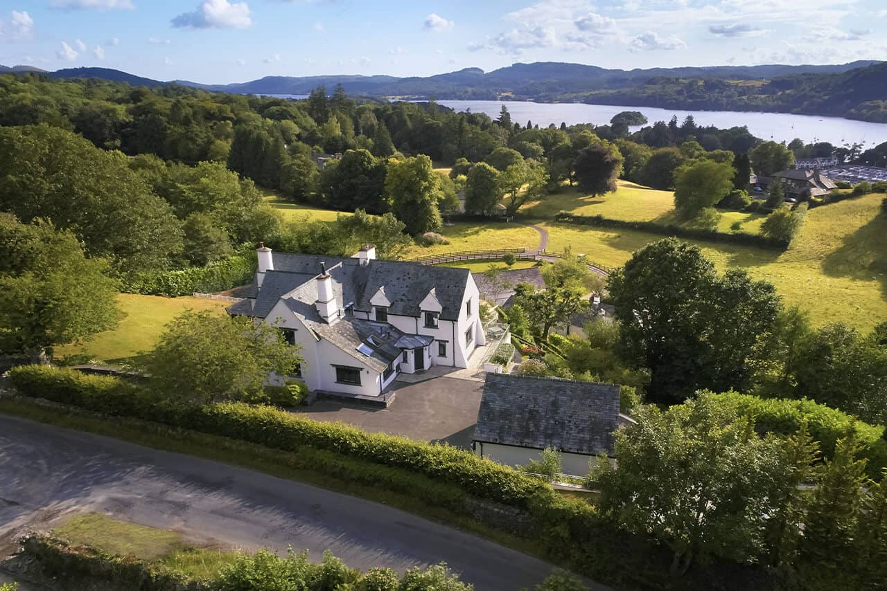 Bowness-on-Windermere-Holiday-Cottages-Fabulous-Lake-District-fg-1