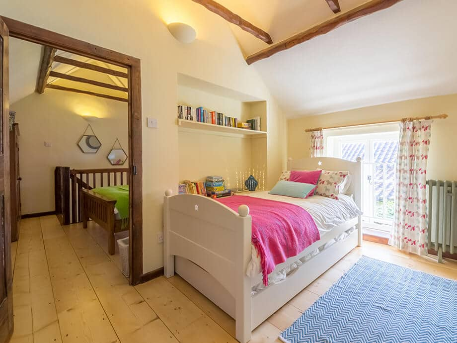Holiday-Cottage-Blakeney-Hollyhock-Cottage-Fabulous-North-Norfolk-13