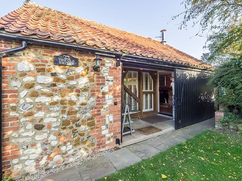 Holme-next-the-Sea-The-Old-Smithy-Holme-next-the-Sea-Holiday-Cottage-The-Old-Smithy-Fabulous-Norfolk-1
