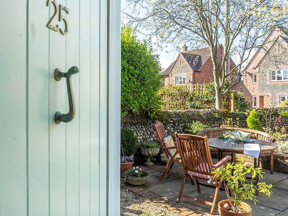 Holt-Holiday-Cottages-Fabulous-Norfolk-Cobblers-2