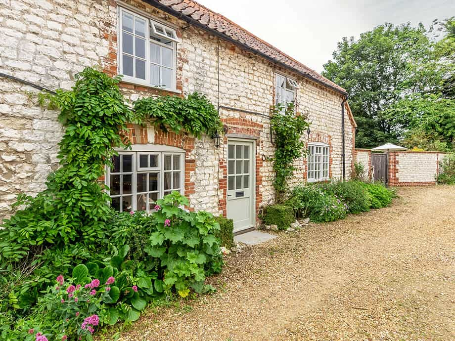 The-Poplars-Holiday-Cottage-Thornham-Fabulous-North-Norfolk-1