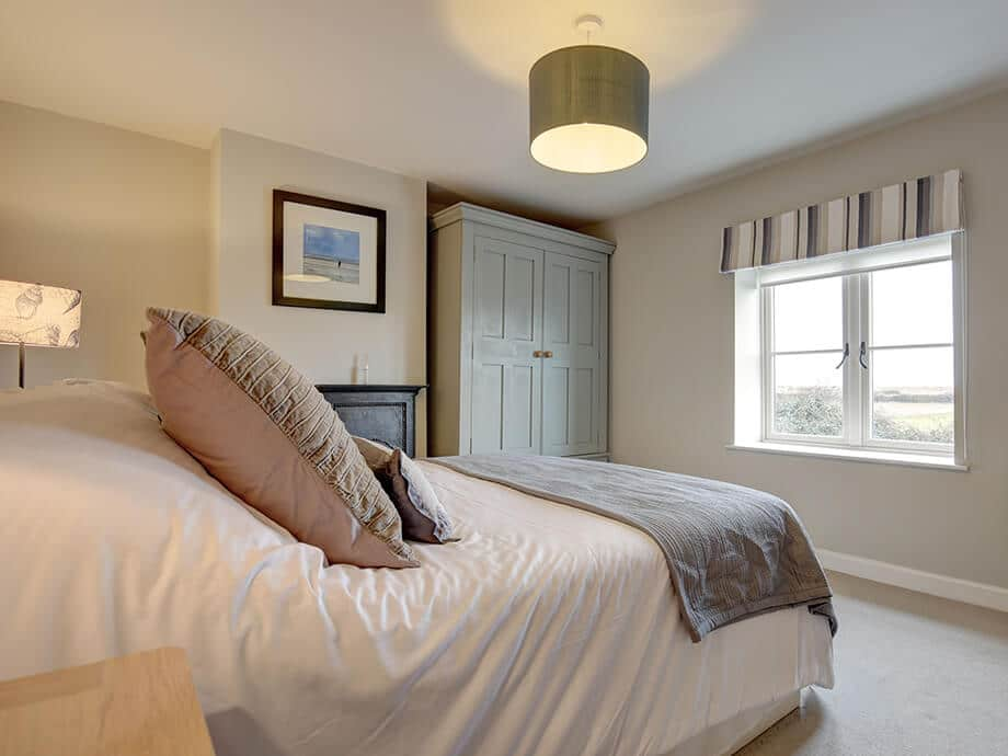 Titchwell-Holiday-Cottage-Fabulous-North-Norfolk-03-01-13