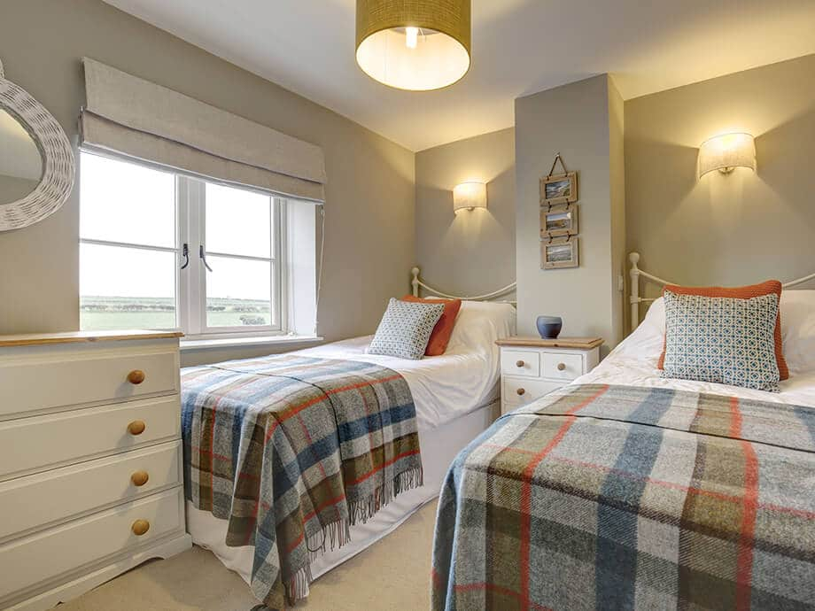 Titchwell-Holiday-Cottage-Fabulous-North-Norfolk-03-01-14