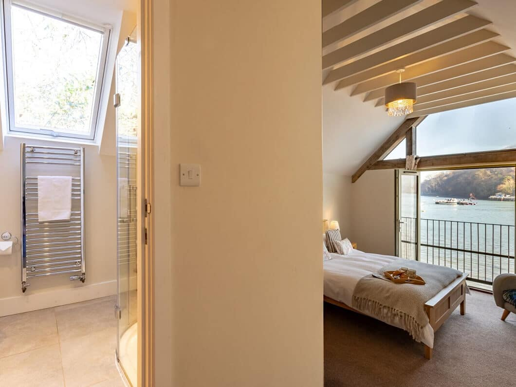Dartmouth South Devon Large Fabulous Holiday Cottages 24-11
