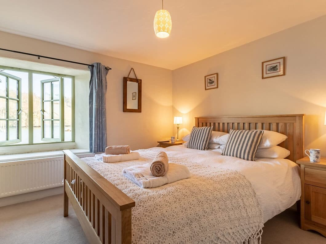 Dartmouth South Devon Large Fabulous Holiday Cottages 24-12