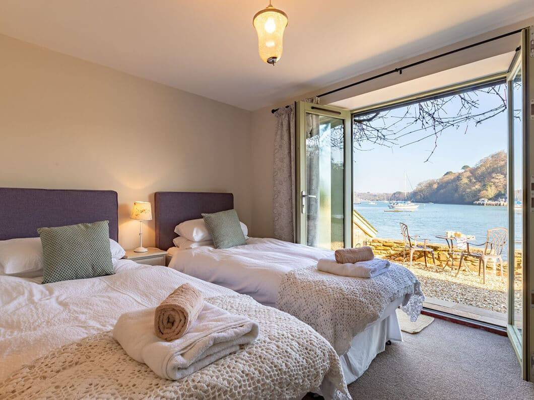 Dartmouth South Devon Large Fabulous Holiday Cottages 24-13