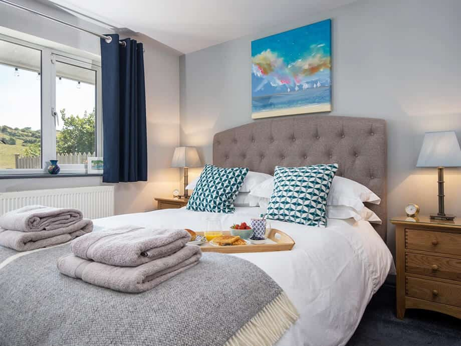 Luxury-Holiday-Home-Millbrook-Fabulous-South-Cornwall-24-08