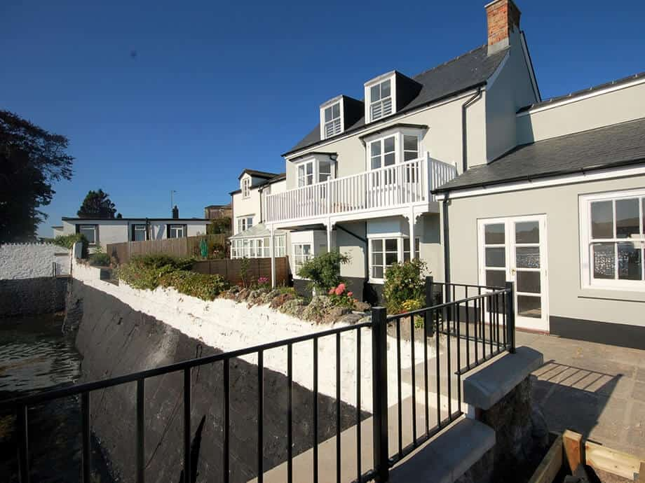 Luxury-Riverside-Holiday-Cottage-Appledore-Fabulous-North-Devon-18