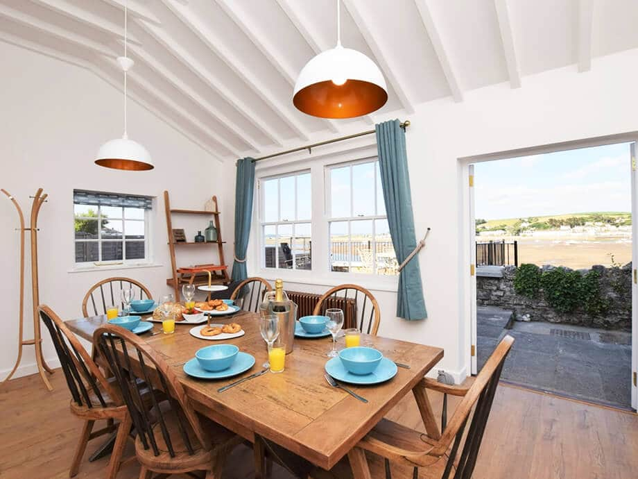 Luxury-Riverside-Holiday-Cottage-Appledore-Fabulous-North-Devon-2