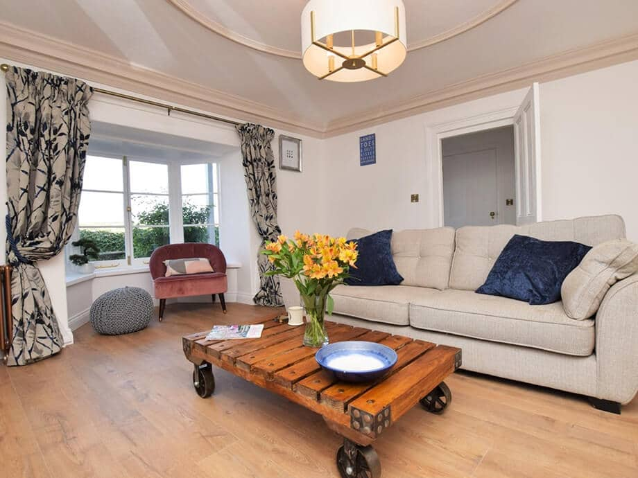 Luxury-Riverside-Holiday-Cottage-Appledore-Fabulous-North-Devon-5