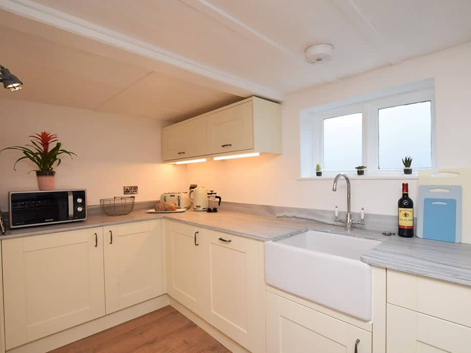 Luxury-Riverside-Holiday-Cottage-Appledore-Fabulous-North-Devon-7