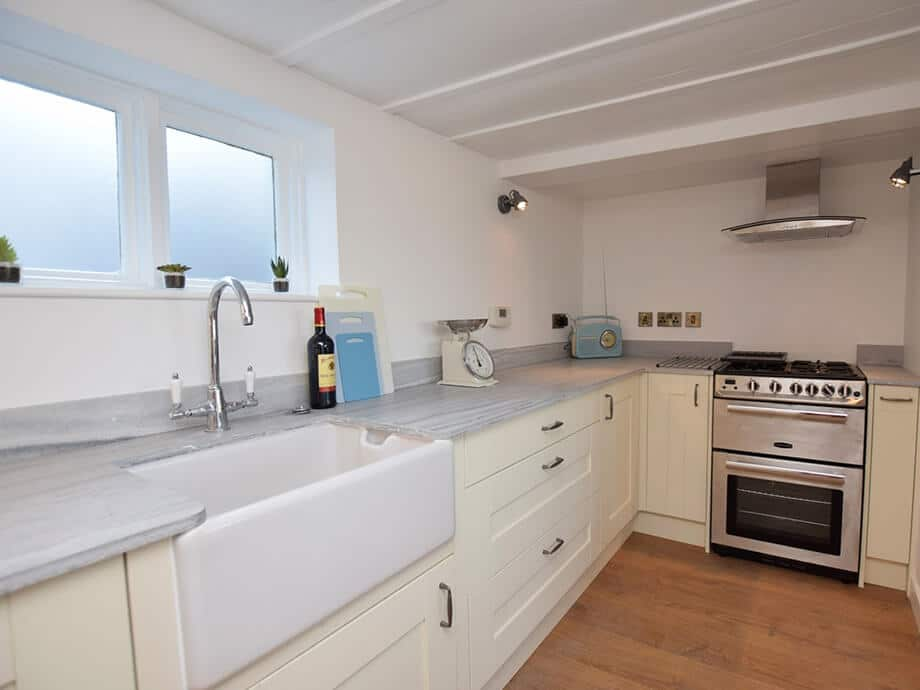 Luxury-Riverside-Holiday-Cottage-Appledore-Fabulous-North-Devon-8