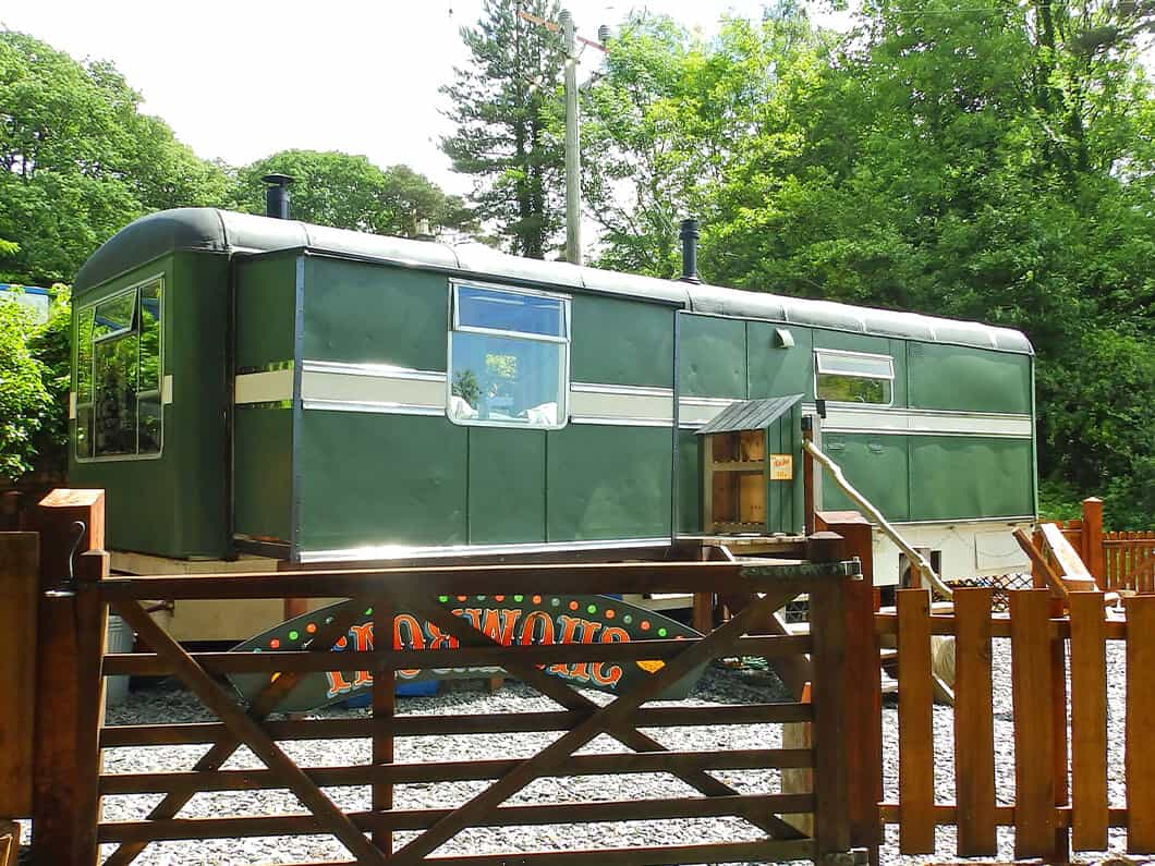 Showman's Wagon Snowdonia Wales Fabuloous Holiday Cottages 1