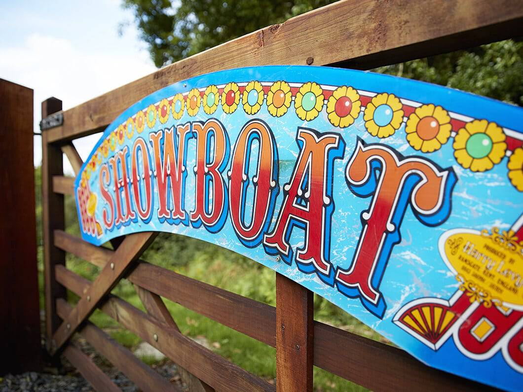 Showman's Wagon Snowdonia Wales Fabuloous Holiday Cottages 2