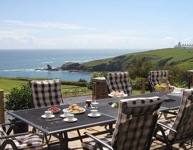 The-Crag-Holiday-Cottage-Housel-Bay-The-Lizard-Cornwall-1