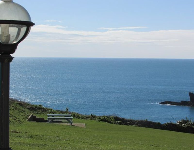 The-Crag-Holiday-Cottage-Housel-Bay-The-Lizard-Cornwall-11