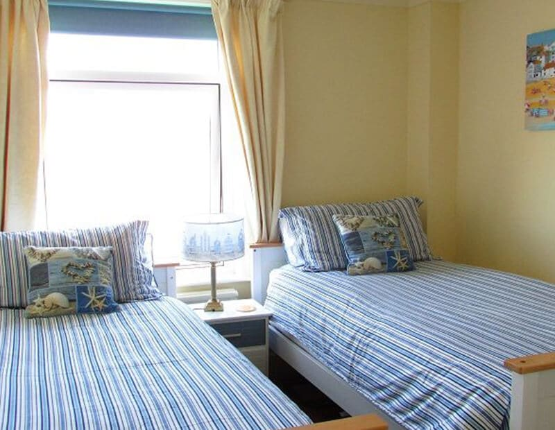 The-Crag-Holiday-Cottage-Housel-Bay-The-Lizard-Cornwall-7