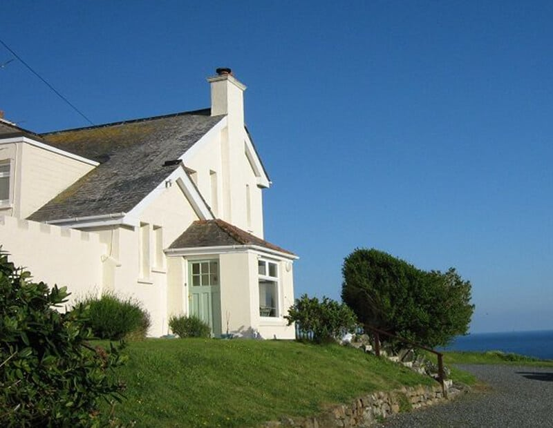 The-Crag-Holiday-Cottage-Housel-Bay-The-Lizard-Cornwall-8