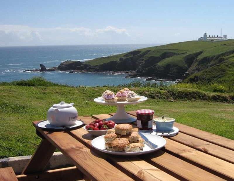 The-Crag-Holiday-Cottage-Housel-Bay-The-Lizard-Cornwall-9