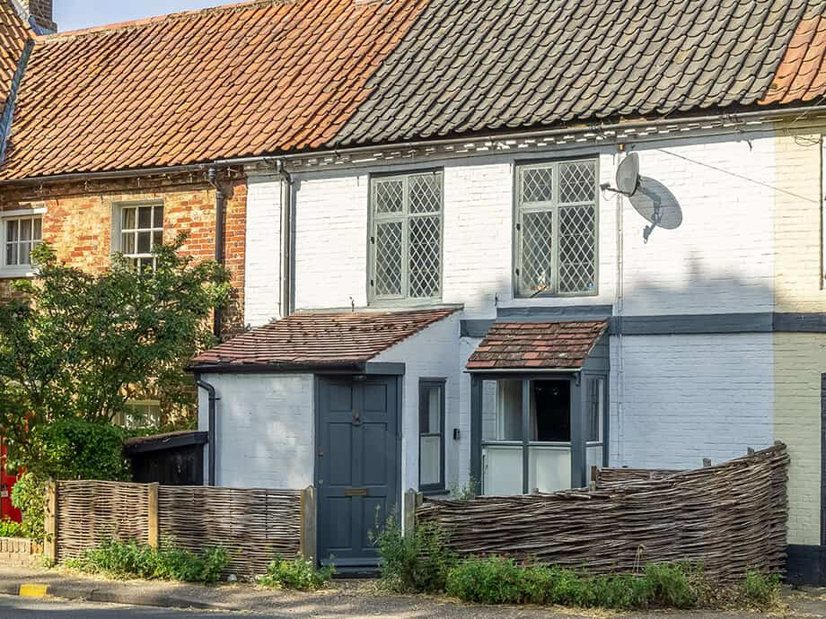 Willow-Holiday-Cottage-North-Creake-Fabulous-Norfolk-1