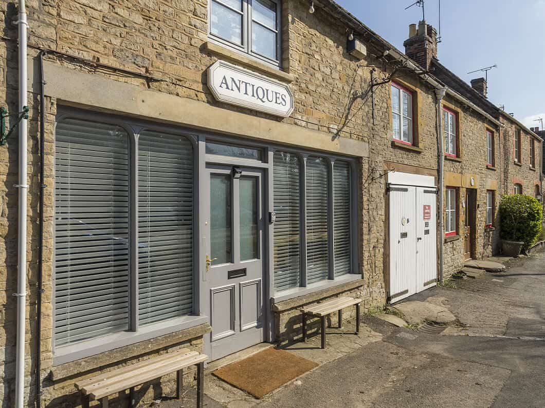 Stow-on-the-Wold Cotswolds Fabulous Holiday Cottages 12-13