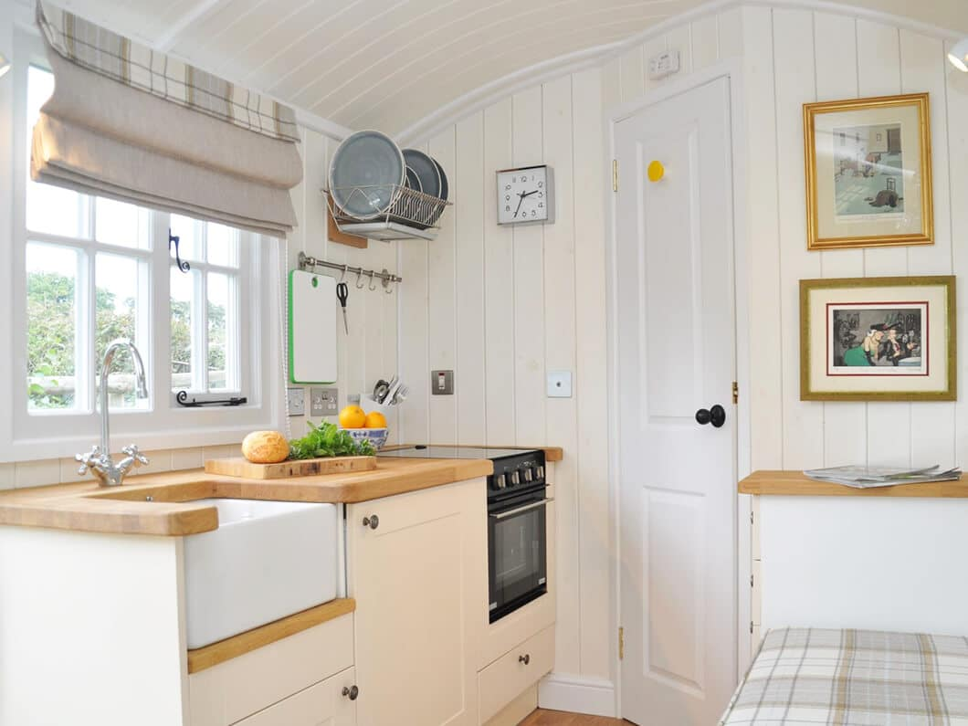 Shepherds Hut The Cotswolds Fabulous Holiday Cottages 2