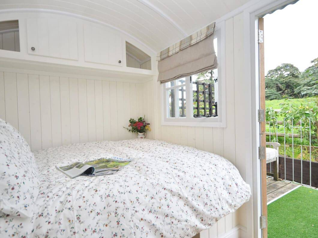 Shepherds Hut The Cotswolds Fabulous Holiday Cottages 5