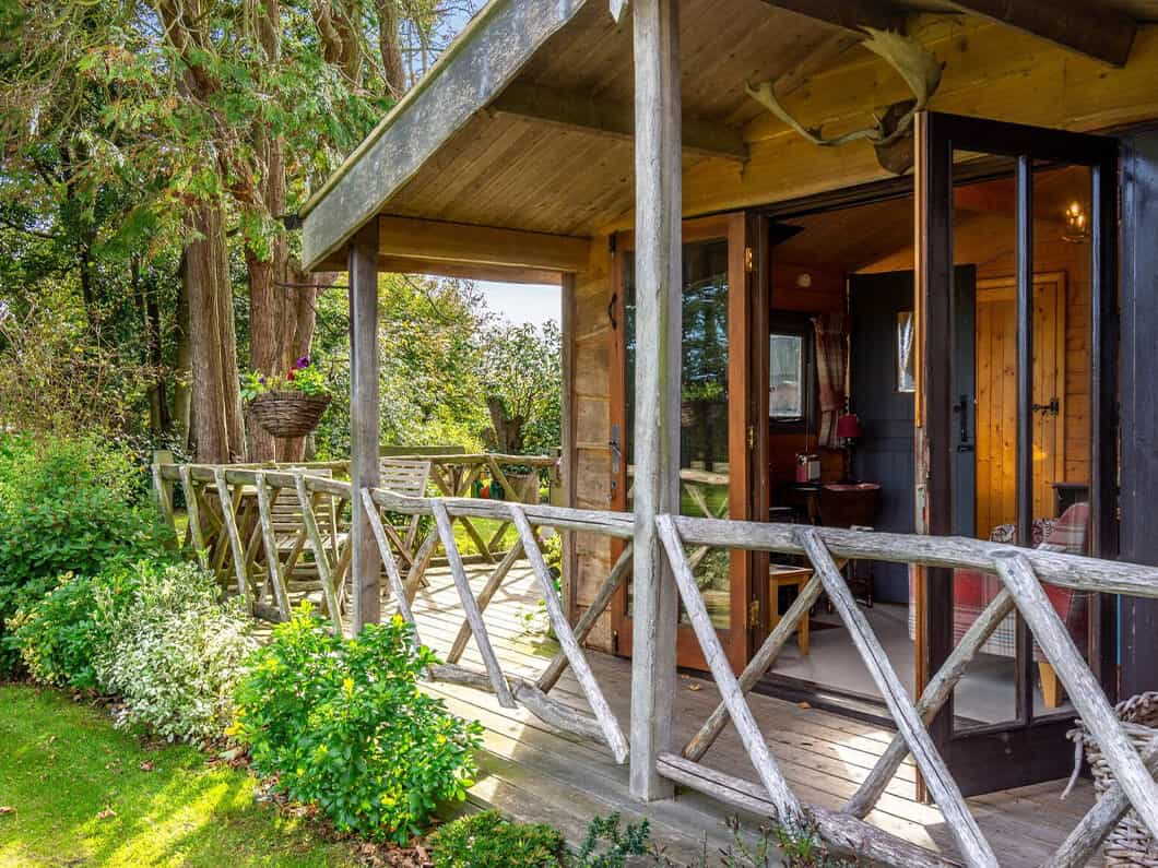 Sussex Coast Romantic Cabin Fabulous Holiday Cottages 1