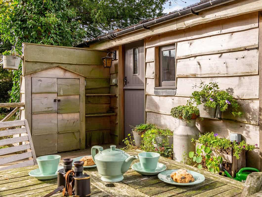 Sussex Coast Romantic Cabin Fabulous Holiday Cottages 11