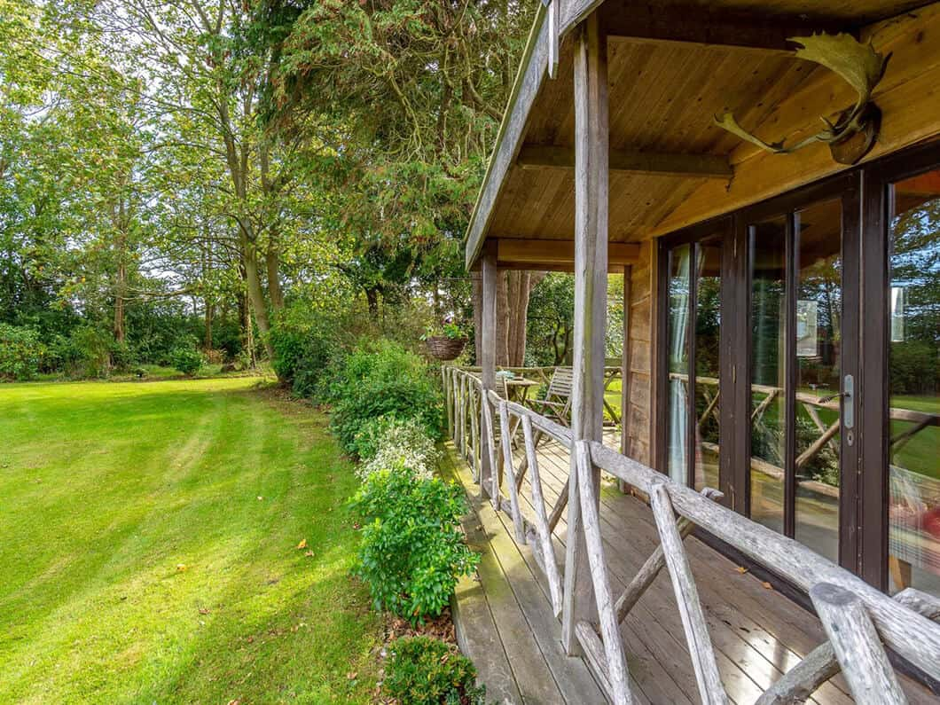 Sussex Coast Romantic Cabin Fabulous Holiday Cottages 12