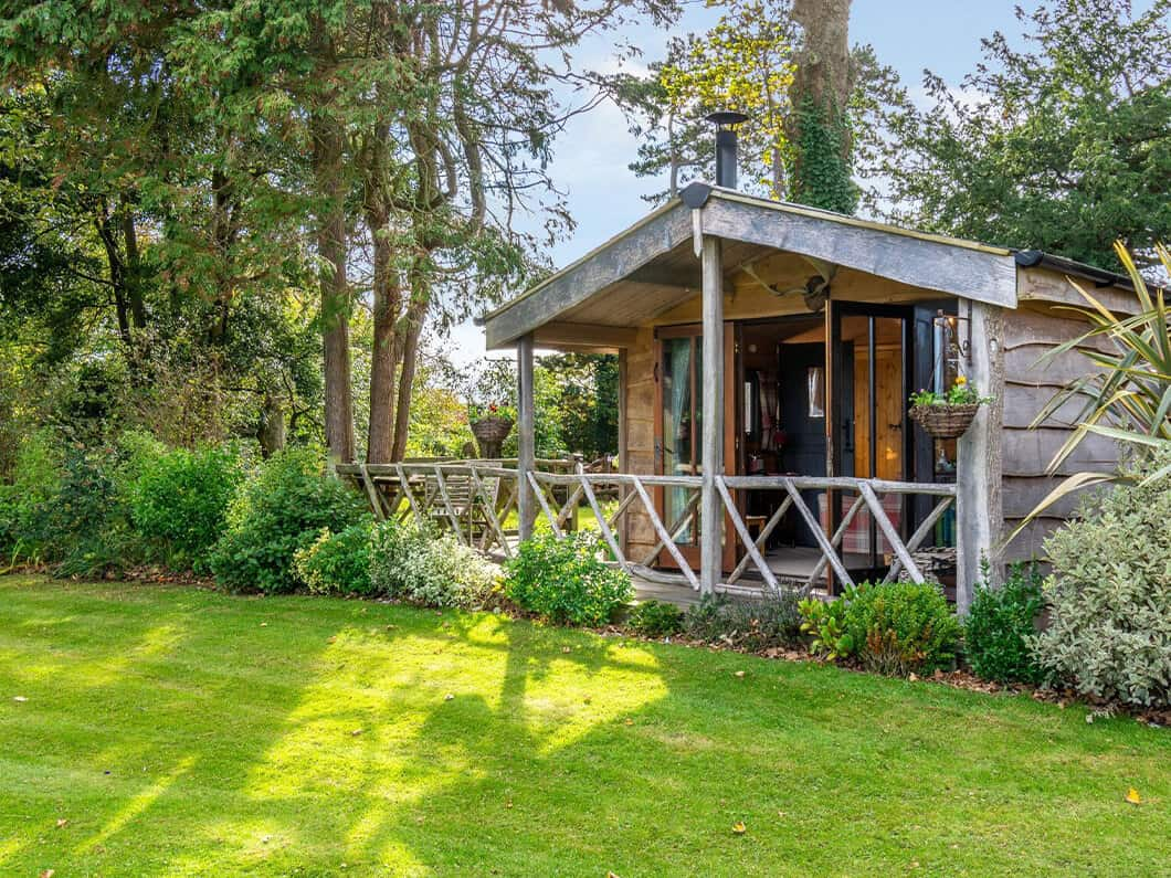 Sussex Coast Romantic Cabin Fabulous Holiday Cottages 2