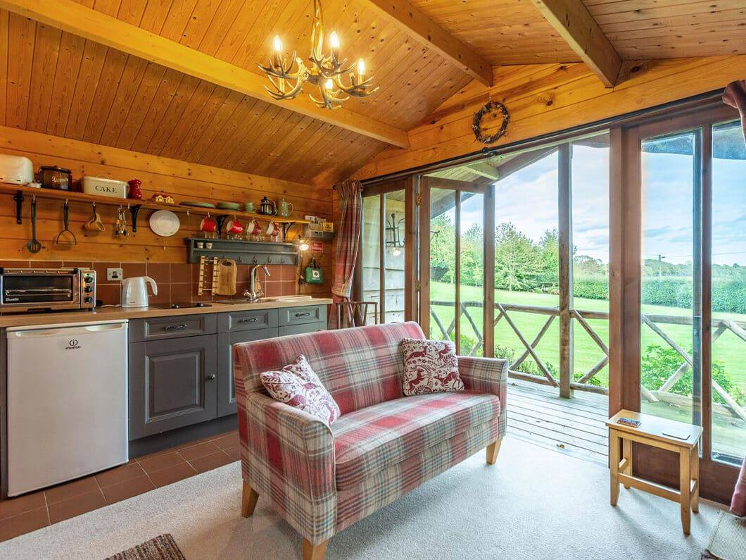 Sussex Coast Romantic Cabin Fabulous Holiday Cottages 3